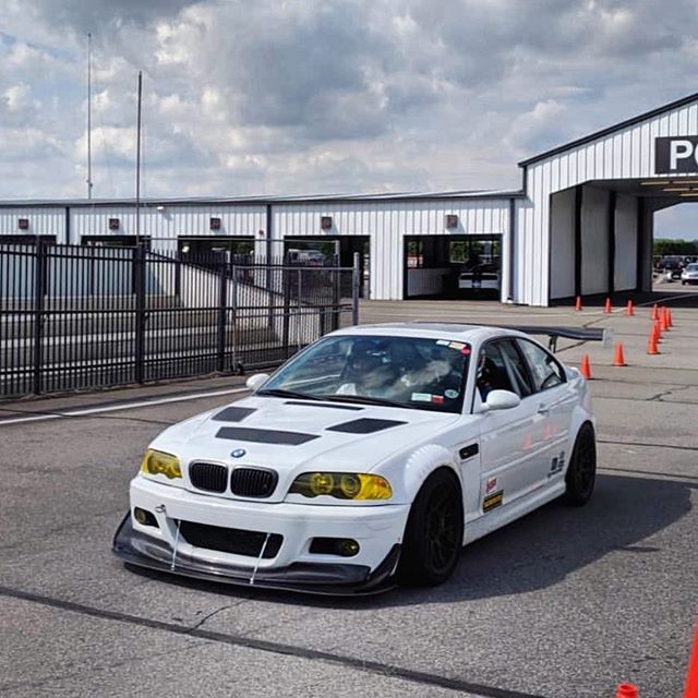 BMW E46 M3 GTR-S Style Vented Front Fenders